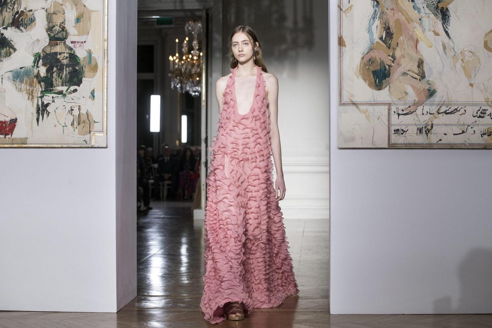 Alta Moda: Valentino, la donna come una dea greca
